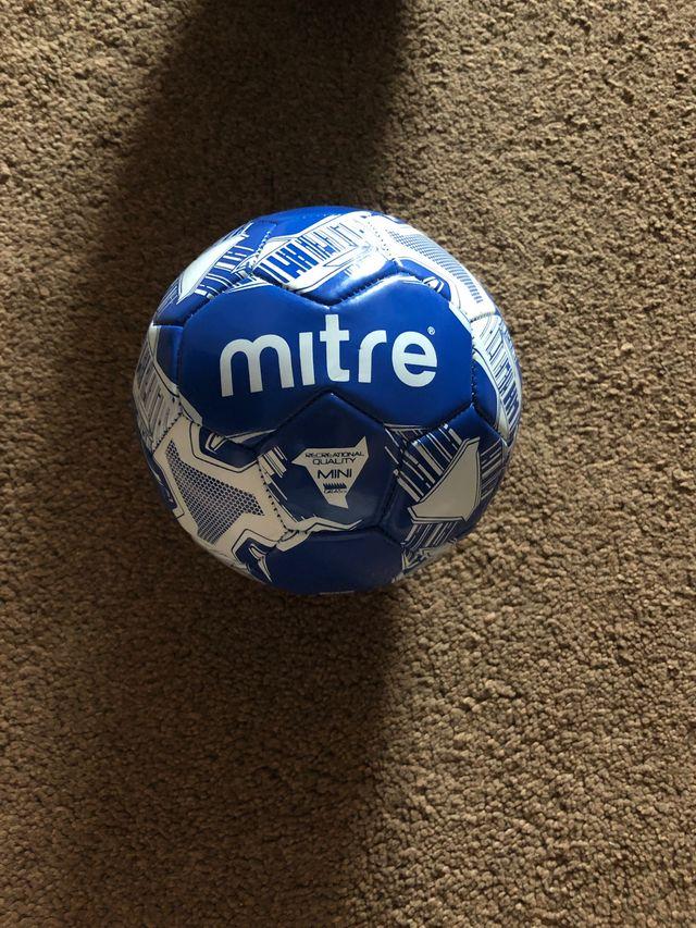 Mini mitre football