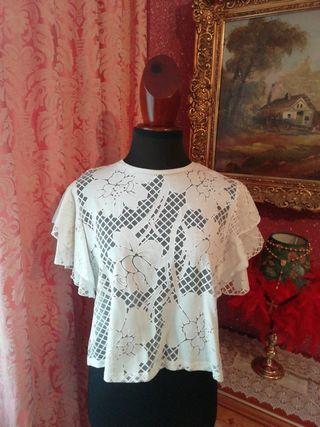 Camiseta ZARA talla S blanca volantes encaje