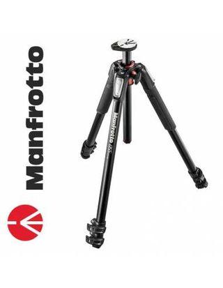 Manfrotto MT055XPRO3 (sin rotula).