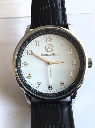 Reloj quartz nuevo Mercedes Benz