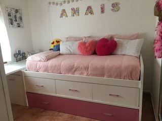 Dormitorio cama con escritorio