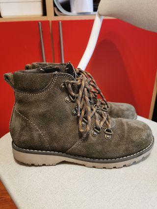 botas niño talla 34 piel Zara