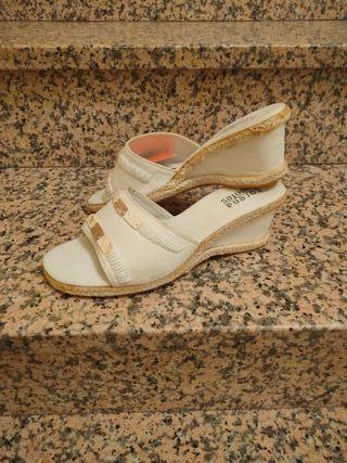 Cuñas beige Nuevas N°39