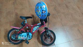 bici infantil + casco + riñonera + ruedines