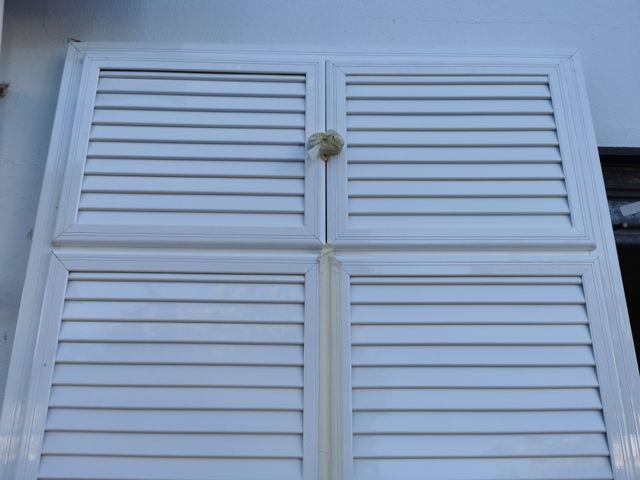 Puerta para despensa o jardin