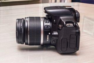 Canon 650d con objetivo incluido