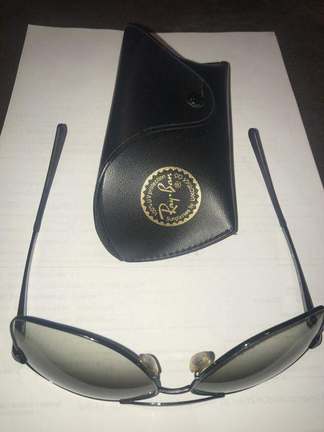 Gafas de sol Ray-Ban auténticas con funda