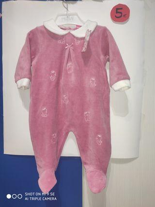 Pijama bebé NUEVO tundosado. Marca Kinanit.