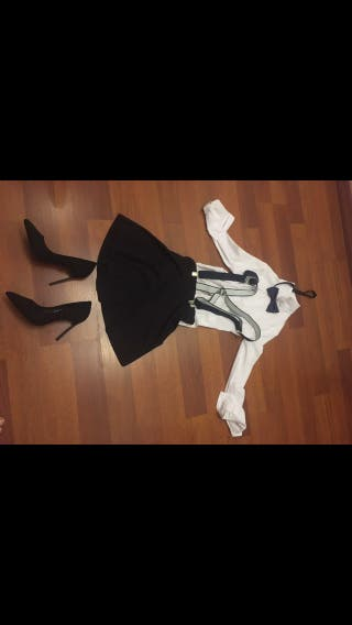 Falda estilo colegiala se vende completo