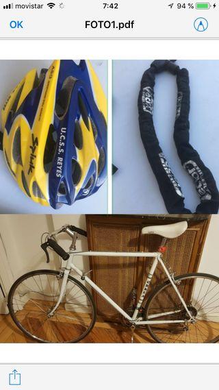 Bicicleta, casco, cadena y luces