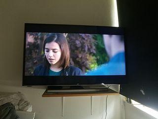"JVC 40"" smart 4K Ultra HD tv"