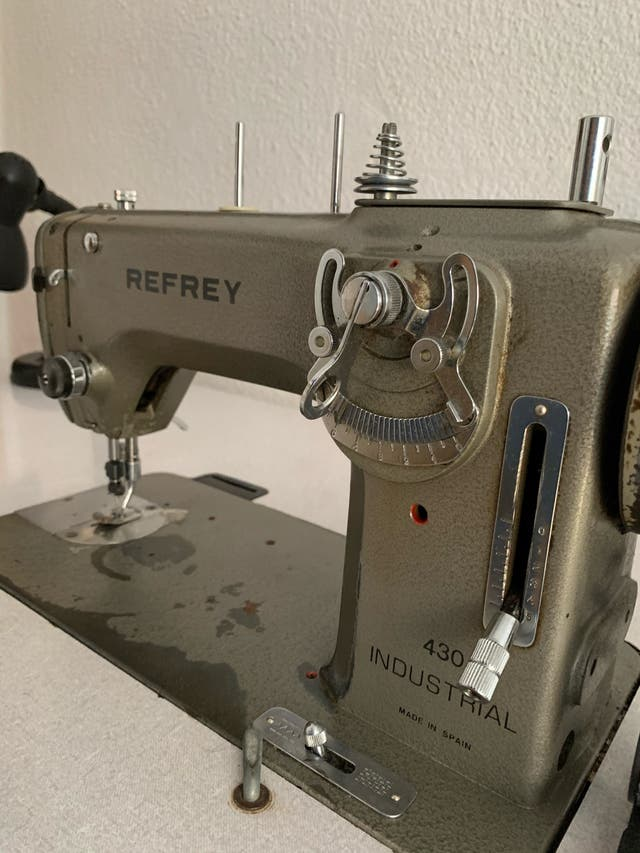 Máquina de coser industrial refrey 430 de segunda mano por