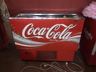 Nevera botellero bar Coca-Cola.