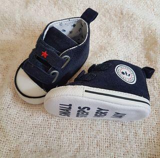 Zapatos de bebé de la marca Ots