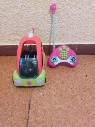 Coche teledirigido de los Littlest Pet Shop