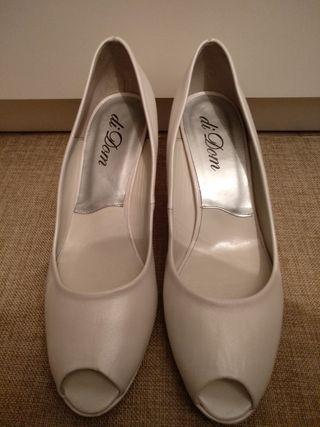 Zapatos 39 blancos nacarados piel sin estrenar
