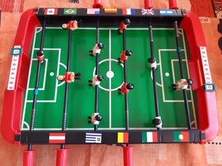 Futbolín pequeño de mesa