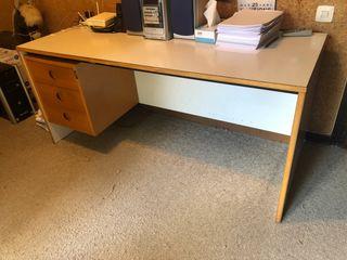 Mesa de estudio o despacho