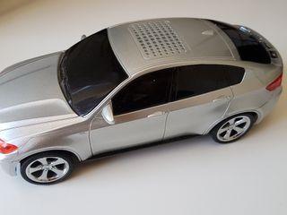 radio con forma de coche