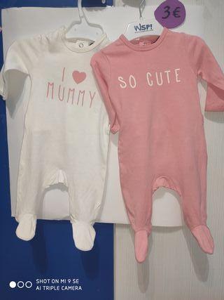Pack Bebé de 2 pijamas. Marca Kiabi. Como nuevo.