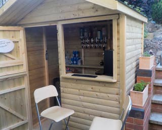 ***BESPOKE GARDEN/SPORTS BAR WITH ROOF AND SHUTTER
