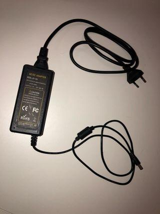 Fuente de alimentación tira led, router, portátil