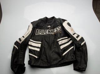 Cazadora de moto Arlen Ness