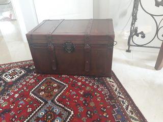 Urge vender por traslado mueble estilo colonial