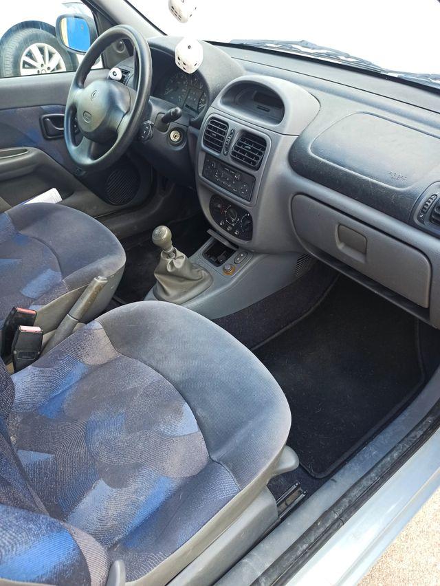 Renault Clio 1.2 75cv 79.500km
