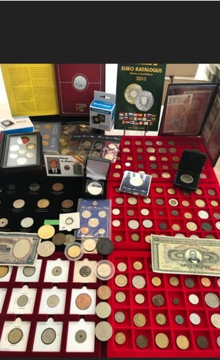 Lote de monedas,medallas y billetes extranjeros