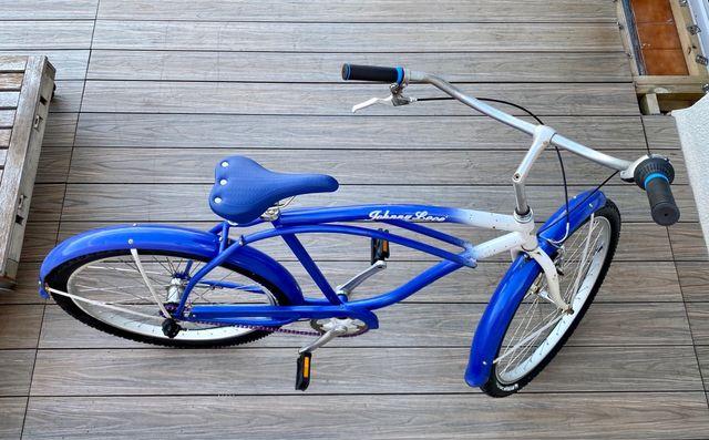 Restored cruiser bicycle (Johnny Loco)