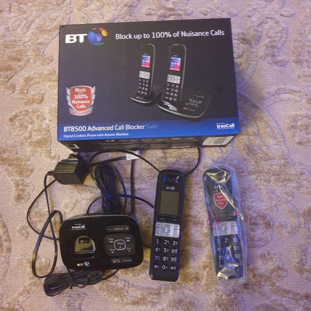 BT cordless twin landline phone hardly used