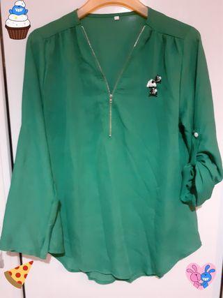 Blusa verde musgo chiffon.Talla xl