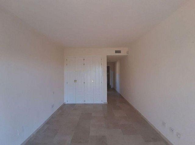 Piso en venta en Paraíso - Atalaya- Benamara en Estepona