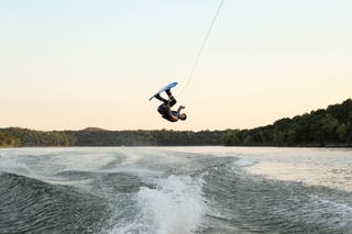 CLASES /WAKEBOARDING LESSONS