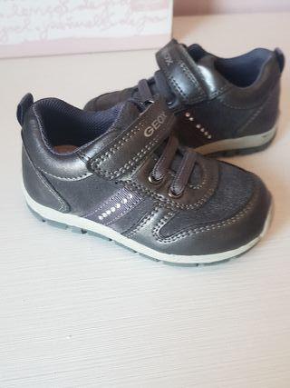 zapato número 21 GEOX