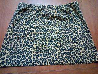 Mini falda leopardo elástica