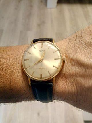 Reloj antiguo suizo.
