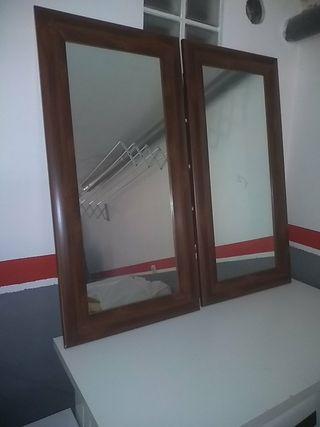 2 Espejos con marco de madera wengue