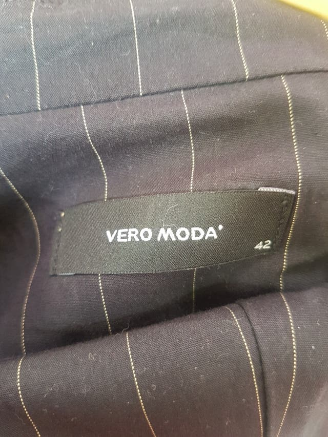 Traje Vero Moda