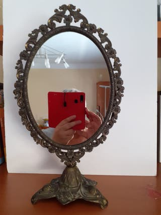 Espejo antiguo de tocador