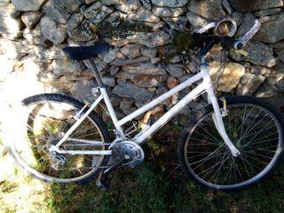 Bicicleta de mujer.6 piñones.3 platos.