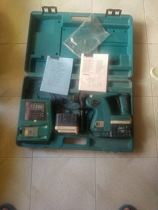 TALADRO PERCUTOR MARTILLO MAKITA BHR 200,24VTA