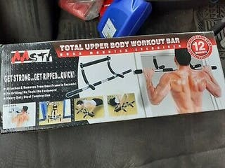 Total upper body workout bar