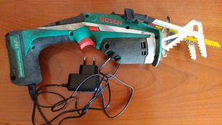 Máquina sierra de sable Bosch inalámbrica.