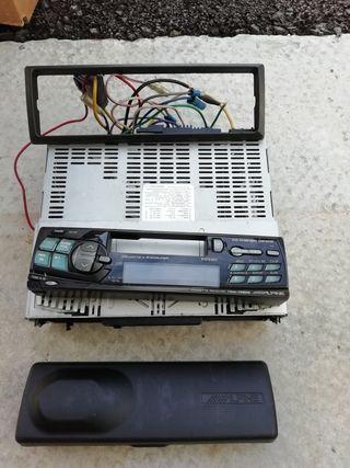 radio Alpine, con cargador de CDs