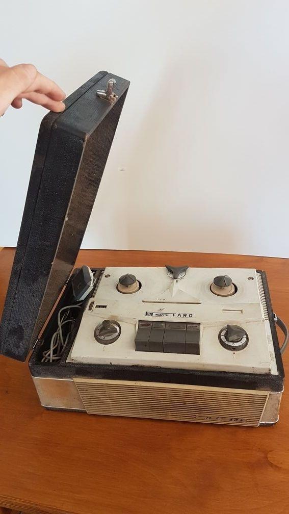 Magnetófono Nuova Faro 333 (Italiano)