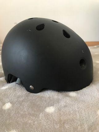 Casco decathlon bici/ patines/ skate