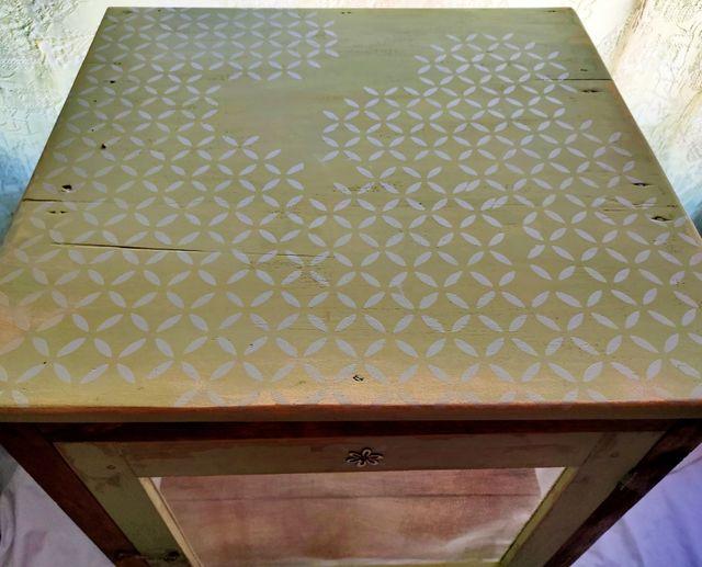 Armario fresquera y alacena antigua de madera
