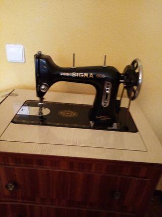 máquina de coser muy antigua